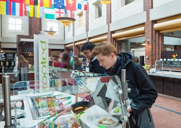 Students dine at the Frank Dining Hall